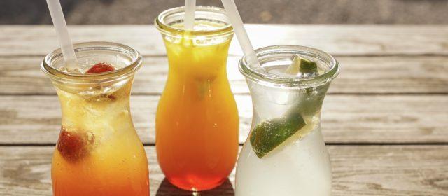 Sommerliche Drinks & Häppchen